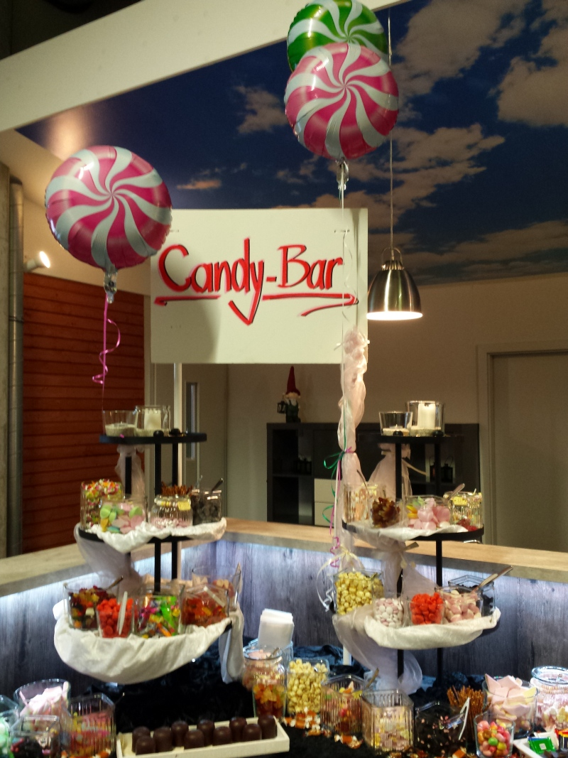 etwas s es geht immer wir bauen eine candy bar deko on tour. Black Bedroom Furniture Sets. Home Design Ideas